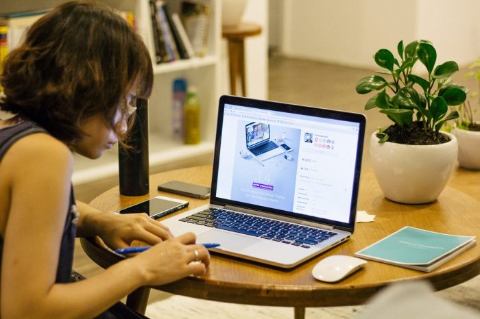 8 Must-Do Productivity and Life Hacks for Working from Home