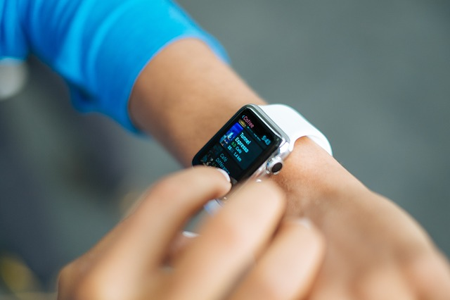 Apple Watch vs Garmin: What Smartwatch is best?
